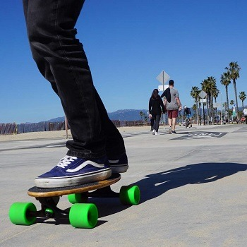 Best Electric Skateboard 2020.Best 5 Longest Range Electric Skateboard On The Market In 2020